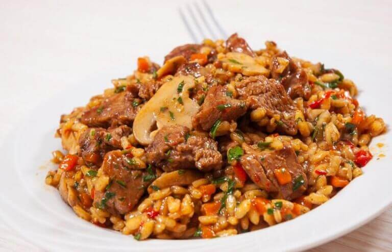 Як приготувати китайський рис з куркою та медом