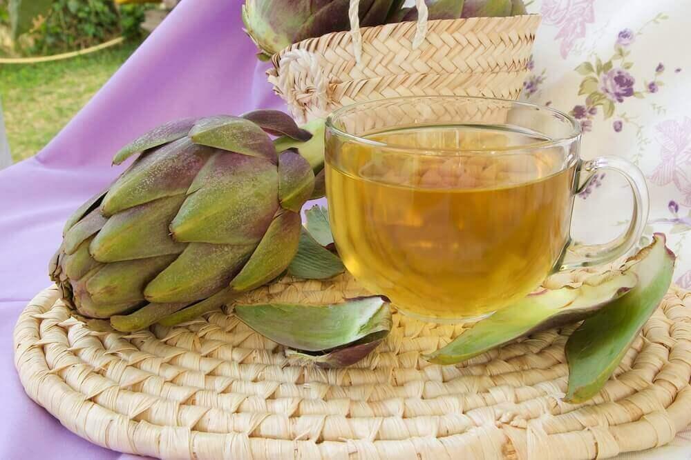 чай на основі хвоща та артишоку