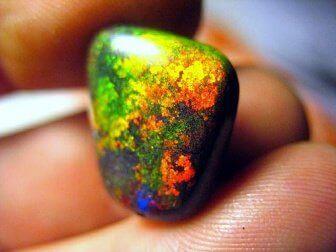 як розкрити чакри за допомогою каменів