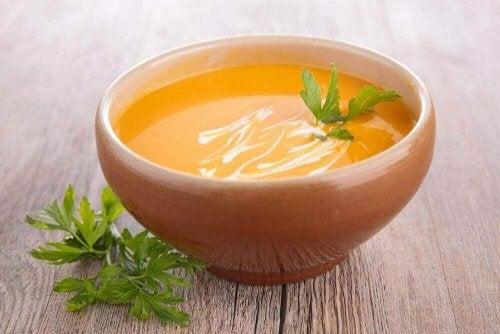 2 прості способи приготування морквяного пюре