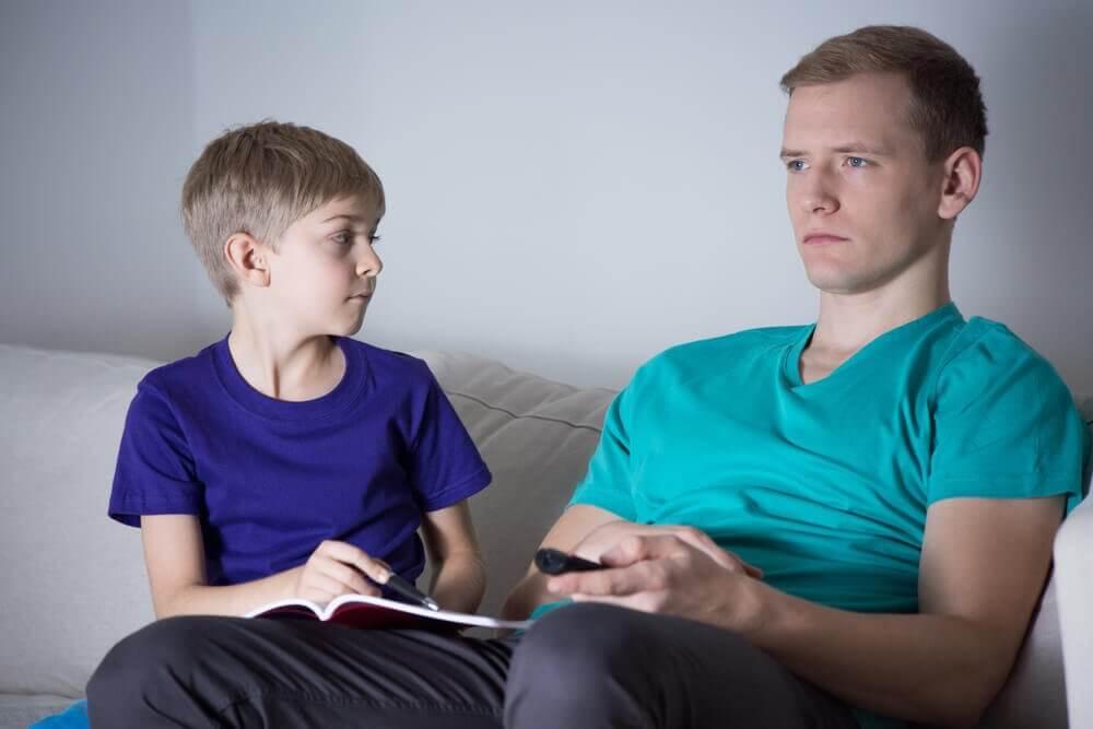 чому у дитини відсутні батьки
