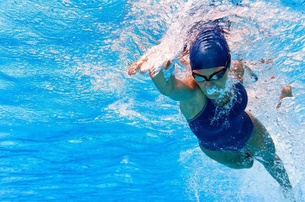 плавання для покращення роботи серця