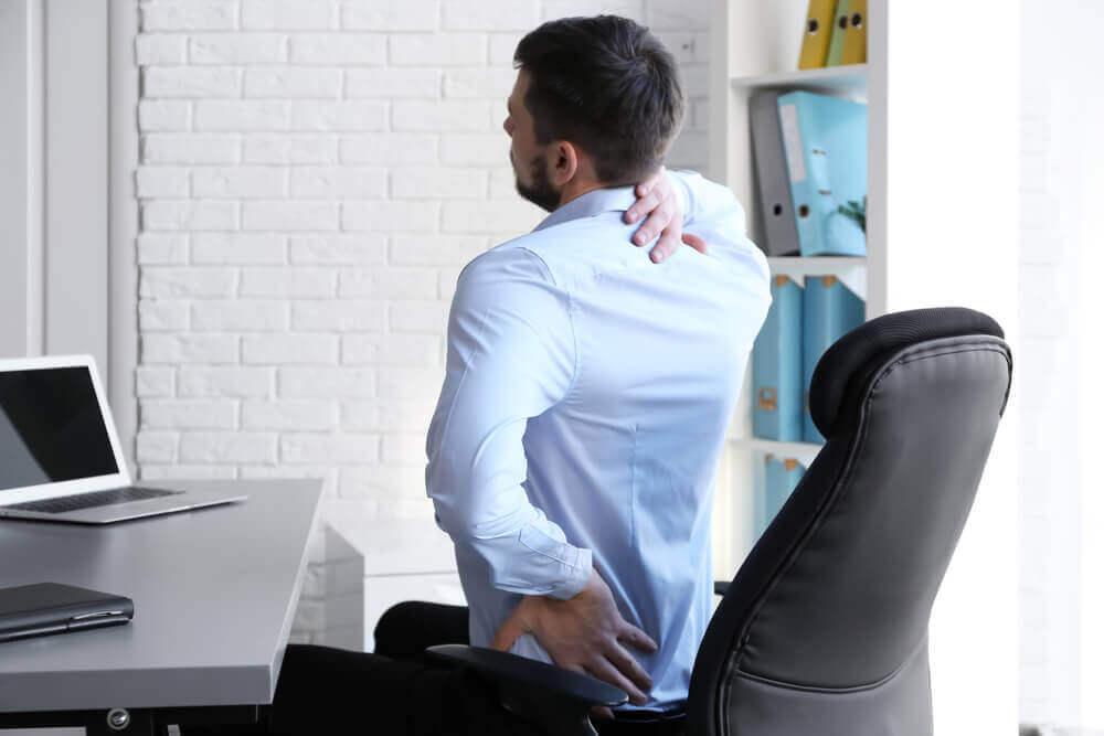 великі складки на спині