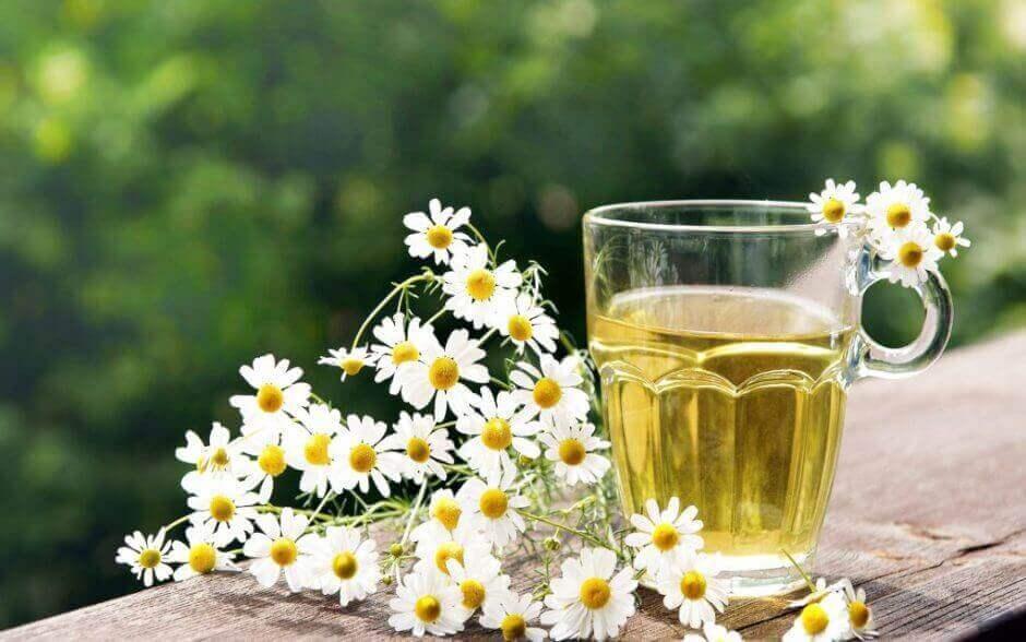 ромашковий чай для полегшення алергії