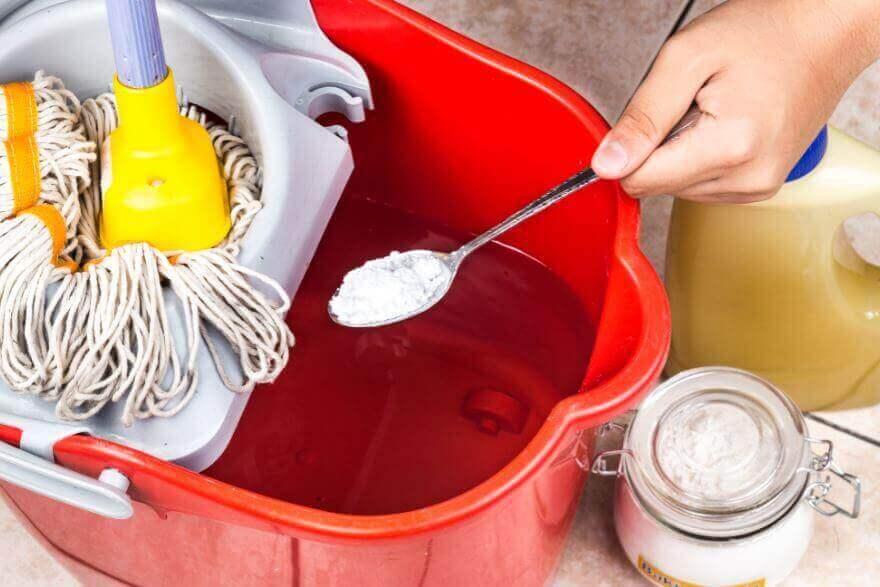 очищення оселі та підлоги за допомогою соди