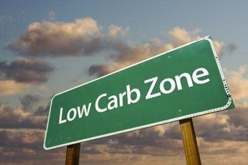 Чому для схуднення потрібно їсти менше вуглеводів, а не жирів
