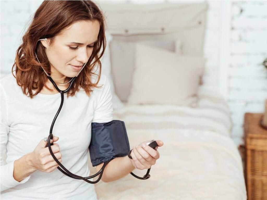 контроль тиску для запобігання інсульту