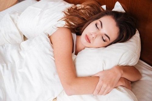 сон для вироблення естрогену