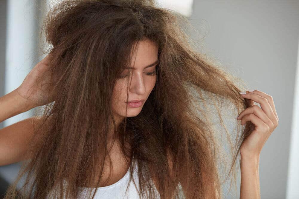 природні засоби від неслухняного волосся