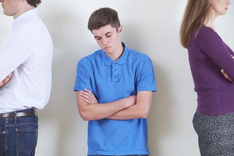 Зміни настрою у підлітковому віці: причини та шляхи розв'язання проблеми