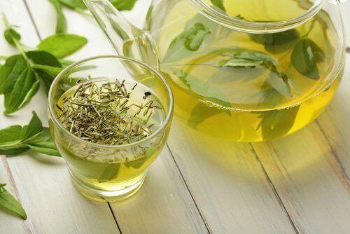 Найкращі чаї для щоденних проблем зі здоров'ям
