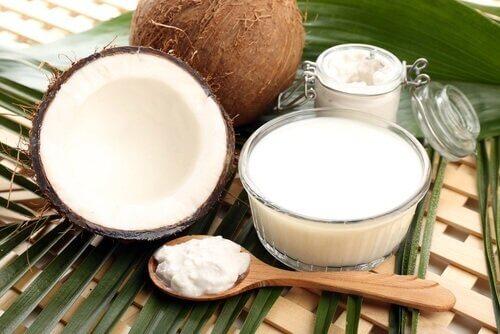 переваги кокосового молока для волосся