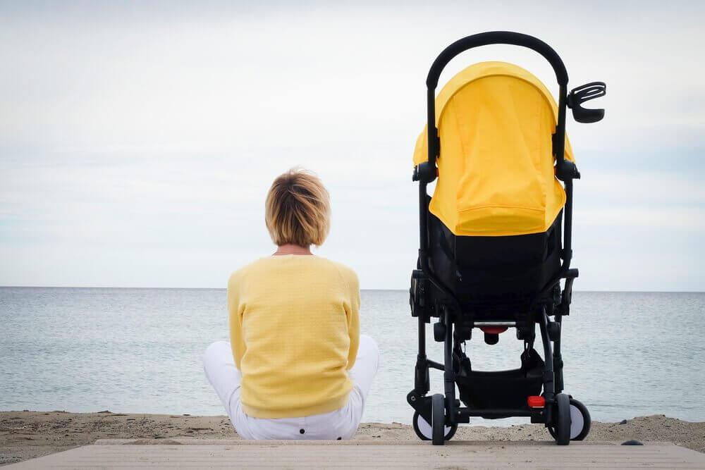 що таке самотність матерів