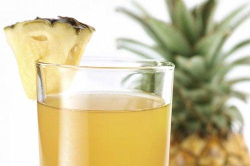 чай з ананасом та імбиром