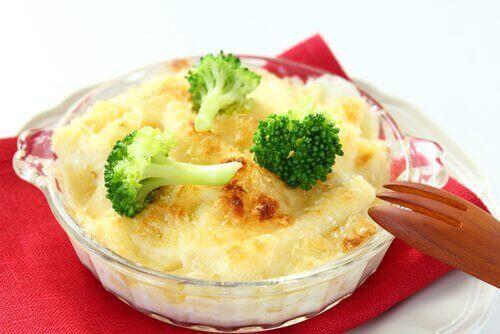 страви з броколі та сиром