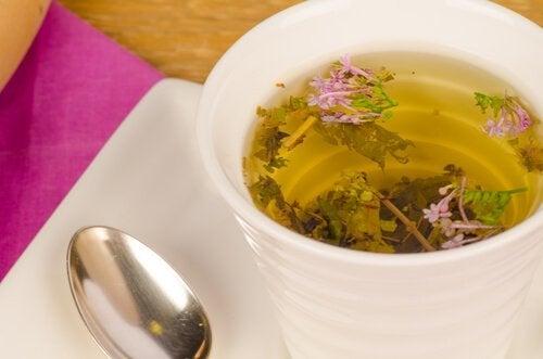 чай з валер'яни від надмірної нервозності