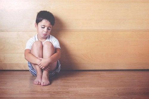 Емоційна депривація дітей: 6 ознак