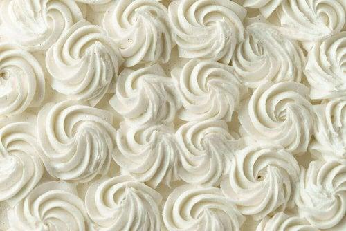 Як приготувати декоративну глазур для тортів