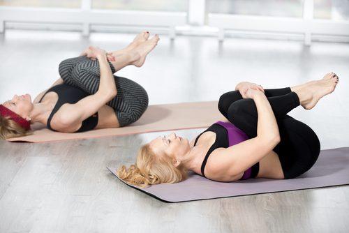 вправи для розтяжки спини і попереку