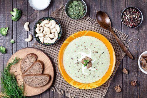 Овочевий крем-суп для зняття больових відчуттів