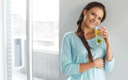рецепт лимонної води з лляним насінням