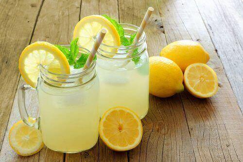 вживати лимони для покращення самопочуття