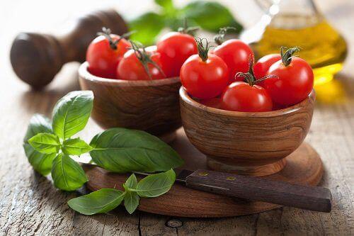 як вживати томати у складі різних страв