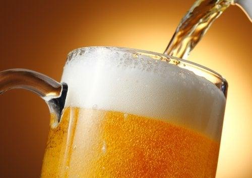 кондиціонери для блискучого волосся з пивом