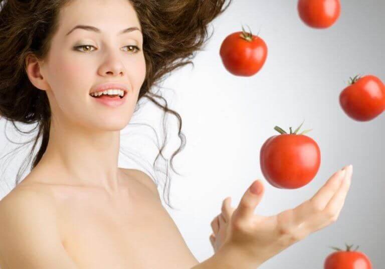 вживати томати для покращення стану шкіри