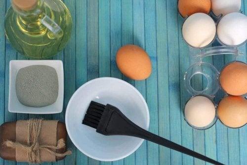 3 яєчні засоби для зволоження сухого волосся