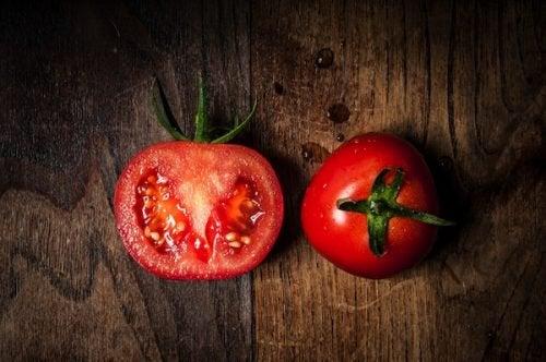 7 причин вживати томати щодня