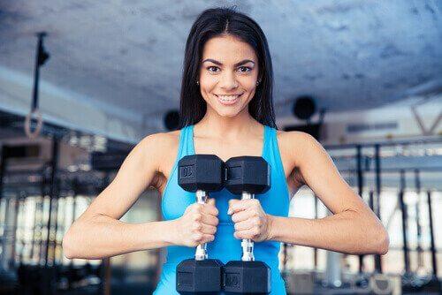 міфи про вправи для набору маси