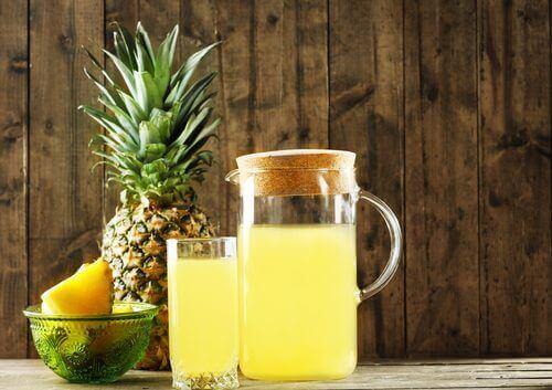 ферментовані напої з ананасом
