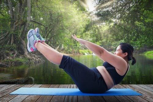 набрякання гомілок свідчить про неправильне виконання вправ