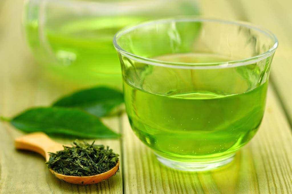 комбінації продуктів: зелений чай та м'ята