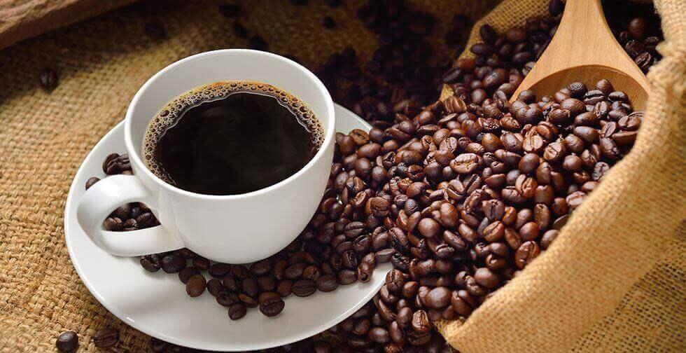 як позбутися вологого запаху за допомогою кави
