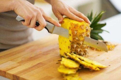 як зробити салати з ананасом
