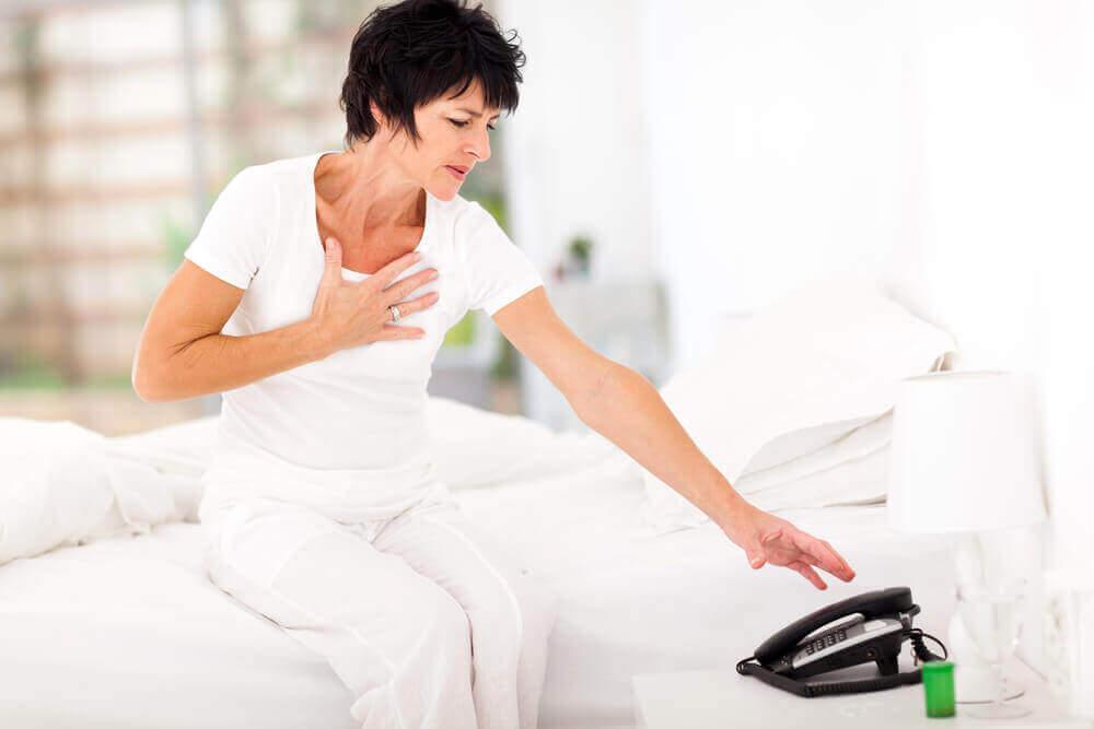 Дізнайтеся про основні симптоми зупинки серця