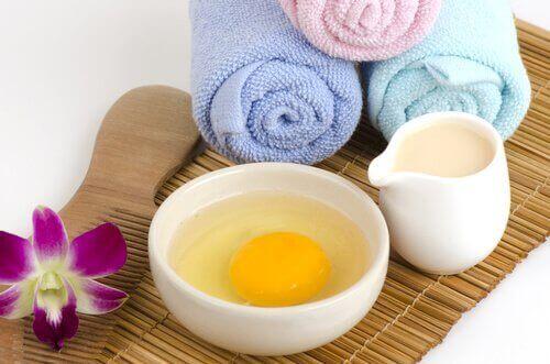 Яйця та мигдаль для очищення шкіри