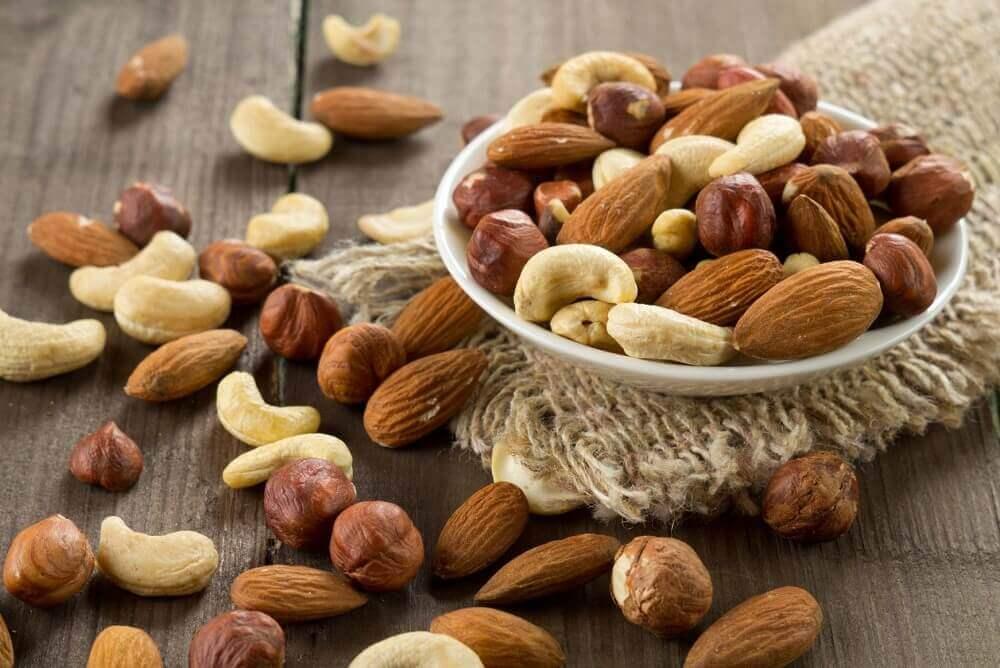 вживати горіхи для втрати ваги