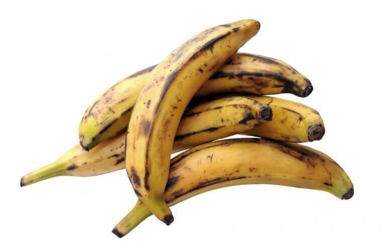 Як приготувати смачні кульки з бананами та сиром