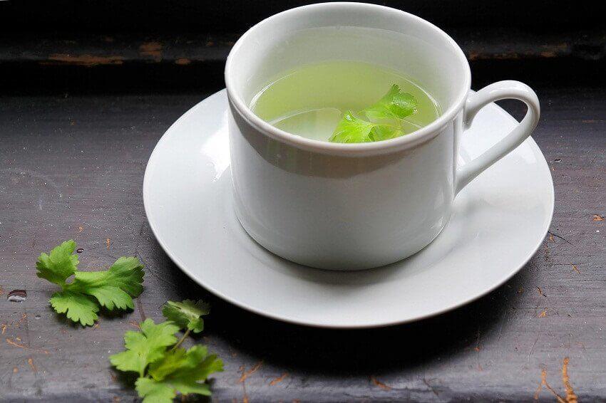 чай з петрушкою для нирок