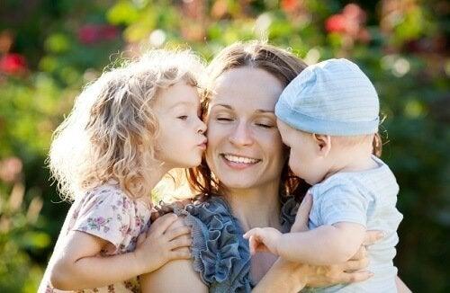 як виховувати дитину самостійно та з підтримкою родичів