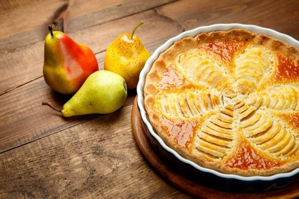 Грушевий пиріг – корисний та дієтичний десерт