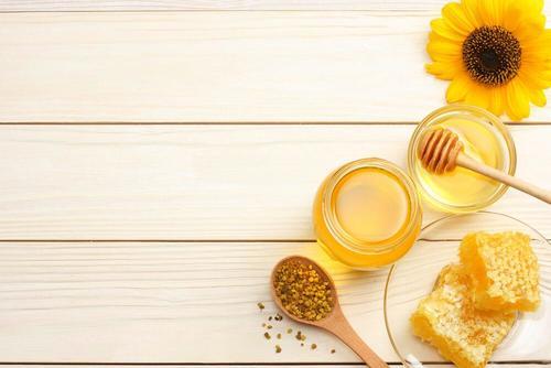 мед, щоб лікувати опіки