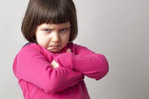 діти не повинні цілуватися під час зустрічі