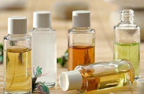 Натуральні олії для очищення обличчя