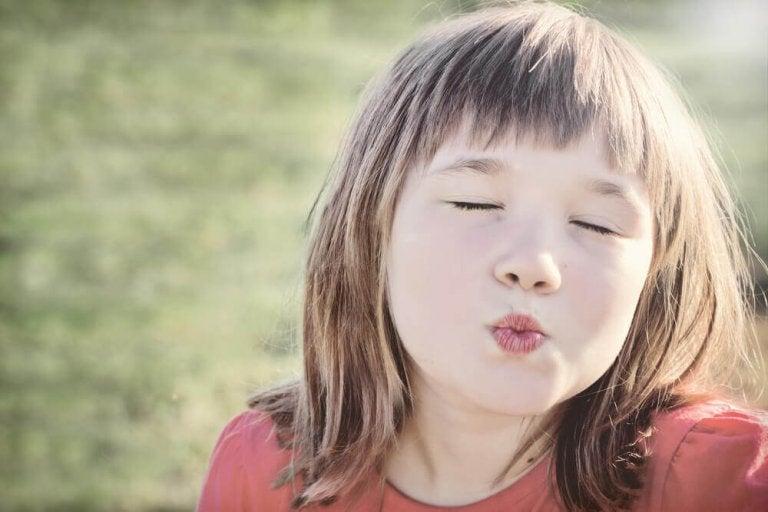 Не примушуйте дітей цілуватися під час зустрічі