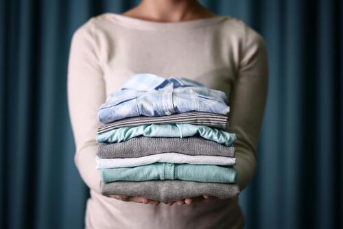 довгі блузки допоможуть приховати живіт