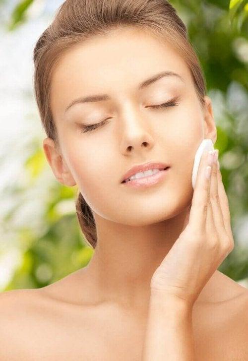 Природні тоніки для красивої променистої шкіри
